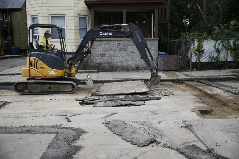 Lawrence, MA--10/4/2018-- Construction continues on Brookfield Street in South Lawrence. (Jessica Rinaldi/Globe Staff) Topic: 05Columbiapic Reporter: